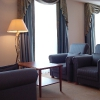 Mercure_apartament_kanayp_stolik_lampa